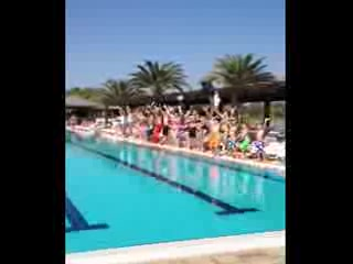 Altinkum, Turkey: The hotel club dance lol