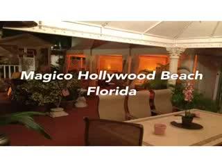 Villa Sinclair Beach Suites & Spa: Hollywood Beach Florida it's Magic...