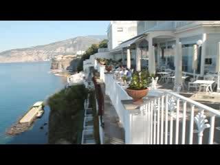 Grand Hotel Riviera Twirl