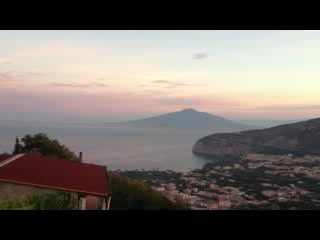 Villa Monica B&B: Video I took from our room at sunrise.