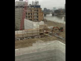 Park Plaza Riverbank London: Too noisy!!