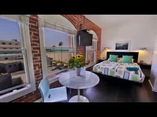 Take a Virtual Tour of Venice Breeze Suites!