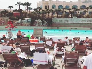 Mandalay Bay Resort & Casino: Wave pool