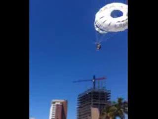 Pacifico Parasailing: Austin - parasailing Landing