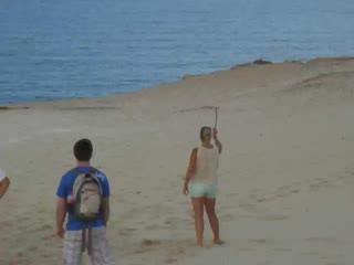Rainbow Beach, Australia: Laura throwing a boomerang