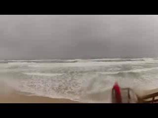 Mermaid Beach, Australia: Raging Storm