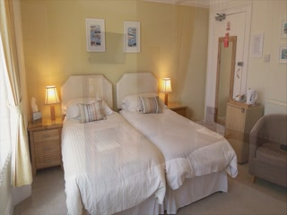 The Baytree Hotel: New en-suite in Room No 6