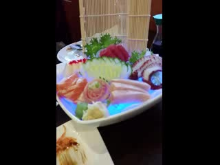 Levittown, PA: Sashimi Dinner with light show