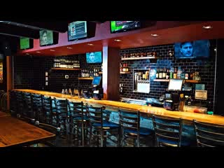Mac's Bar and Grill