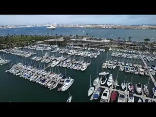 "‪باي كلوب هوتل آند مارينا: The Bay Club Hotel & Marina - ""San Diego's Best Kept Secret""‬"