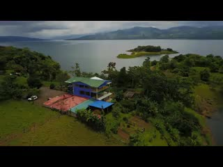 Nuevo Arenal, Costa Rica: Tinajas Arenal Restaurant by the Lake