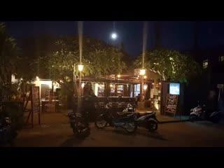 Padangbai, Indonesia: Omang Omang Bar Diner