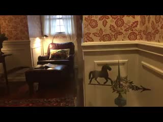 Granville, OH: The Welsh Hills Inn - Derwen Del King Guest Room
