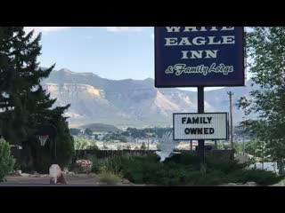 Кортес, Колорадо: The White Eagle Inn & Family Lodge