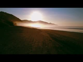 Sansara Surf & Yoga Resort : Rising Deep