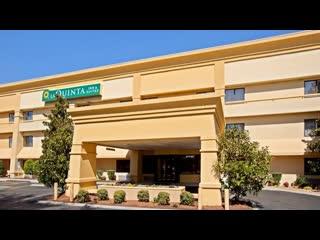 La Quinta Inn & Suites by Wyndham Nashville Airport: La Quinta Inn & Suites Nashville Airport