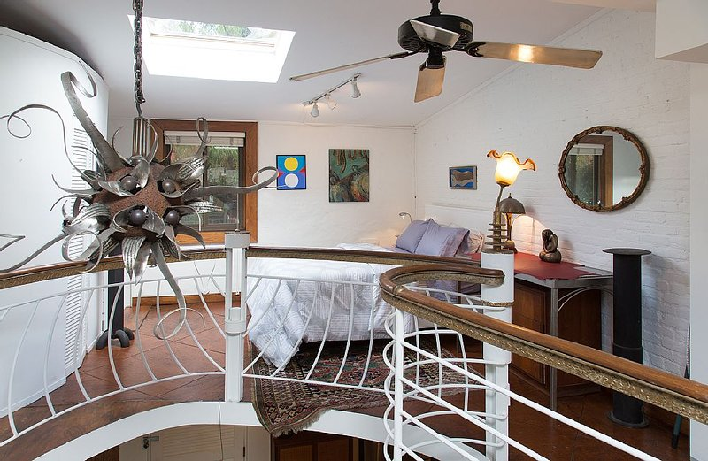 Artist Studio Carriage House, vacation rental in Washington DC