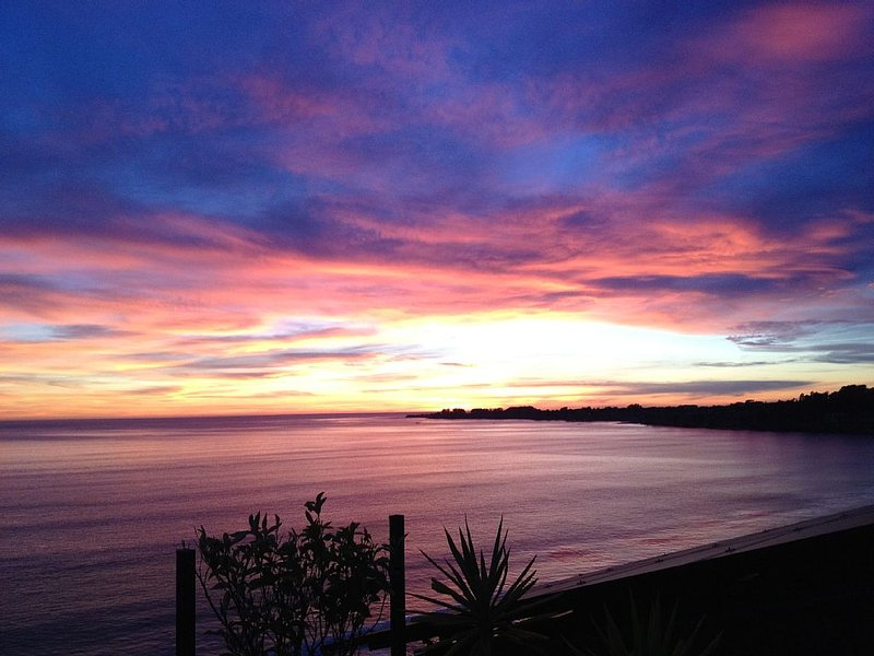 Panoramic Views from Monterey to Capitola, Beach Studio's Overlooking 100' Cliff, location de vacances à Soquel