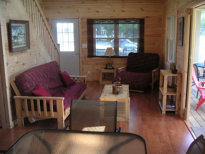 St. Lawrence River - Pike Lodge, right on the water!, alquiler de vacaciones en Brockville