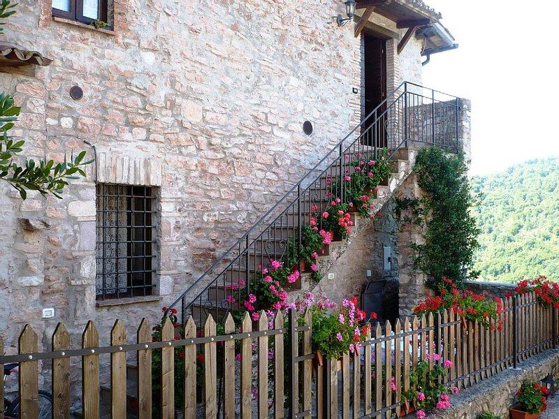 Casa a Macerino nel verde delle colline umbre, vacation rental in San Gemini
