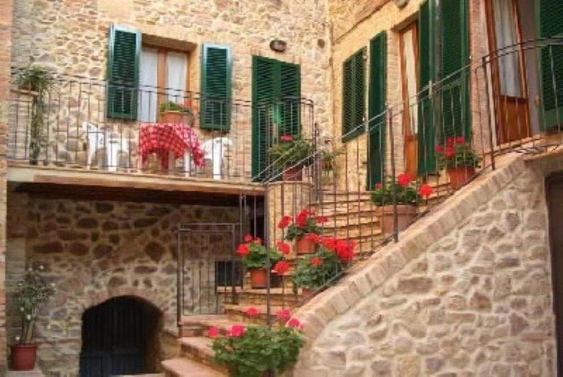 Appartamento in Dimora tipica campagna toscana, alquiler vacacional en Torniella