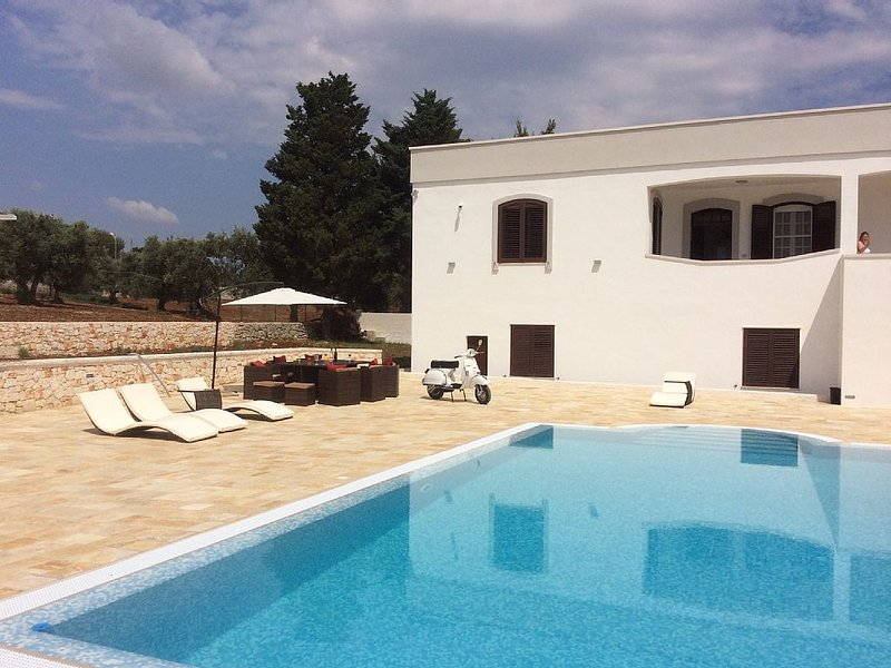 Villa Marietta - Idyllic Country Villa With Large Private Pool, holiday rental in Cisternino