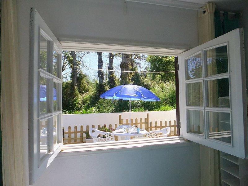 rez-de-chaussée vue  jardin à 1km de la mer et 10km de Porto, Ferienwohnung in Vila Nova de Gaia