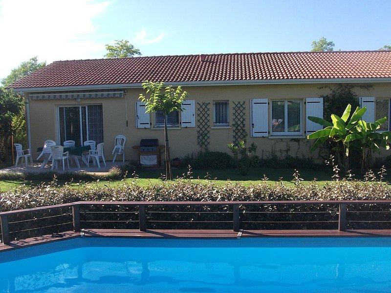 Family-friendly Holiday Home near Sanguinet Lake, location de vacances à Landes