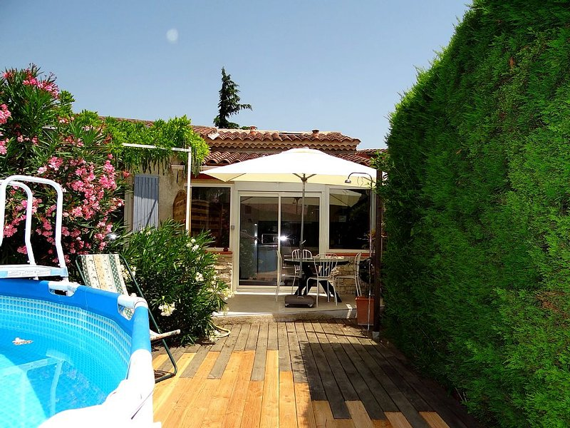 Duplex 4 people in the heart of Provence, holiday rental in Saint Saturnin les Avignon