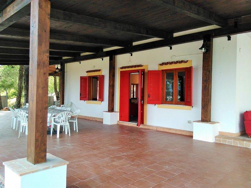 Casa Vicino Capo Palinuro, Scario, Marina di C., Pisciotta, Policastro b., vacation rental in Scario