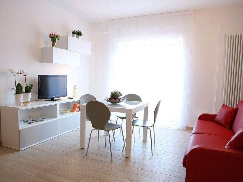 Appartamento Sirena nuovissimo a 300 mt dal mare, vacation rental in San Benedetto Del Tronto