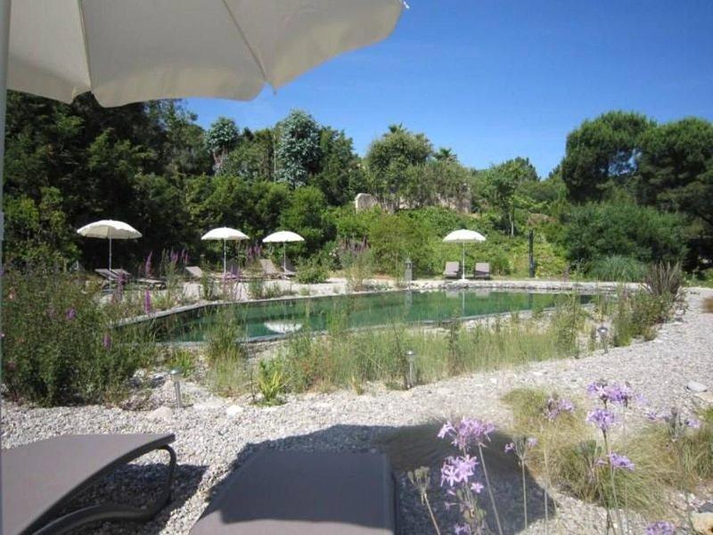 Location de gîtes avec piscine naturelle, vélos au coeur du golfe de  St-Tropez, vacation rental in Grimaud