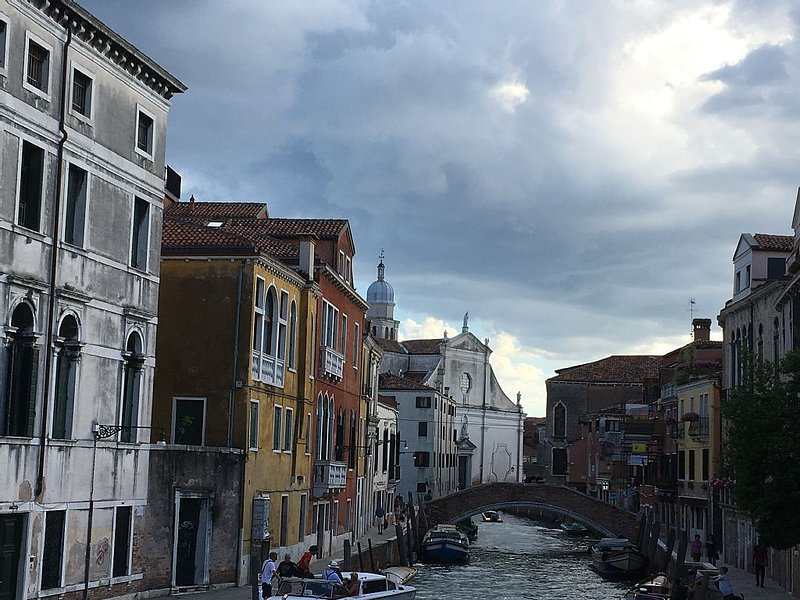Magnificent apartment in Venice with garden and large terrace for 14 people, alquiler vacacional en City of Venice
