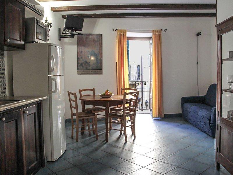 Grazioso appartamento a pochi passi dalla spiaggia, location de vacances à Cefalu