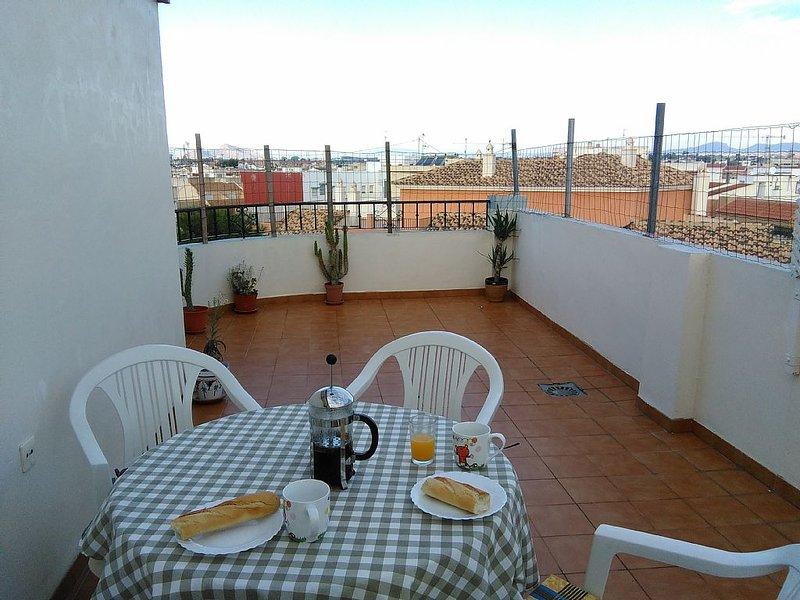 MAR MENOR PENTHOUSE,  5 min walk from beach, shops, bars, restaurants, location de vacances à San Pedro del Pinatar