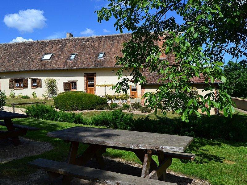 Maison de campagne familiale- 14 personnes en Sologne  Berry - 5 chambres - WIFI, location de vacances à Neuvy-sur-Barangeon