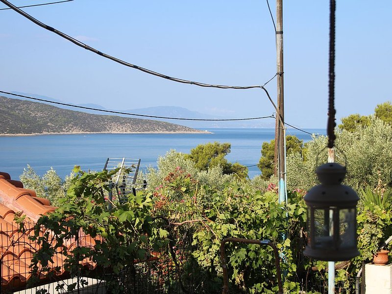 Perfect place to relax & swim, holiday rental in Porto Germeno