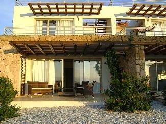 3 Bedroom Apartment In Tatlisu, Near Kyrenia (2 Double And 1 Twin Room), holiday rental in Tatlisu