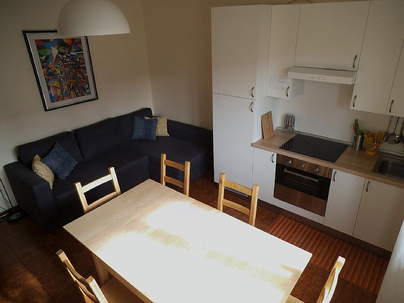 Accogliente e completo  con aria condizionata fino a 6 adulti e un bimbo piccolo, casa vacanza a Porto Sant'Elpidio