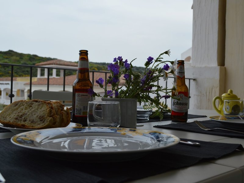 Large Balcony Overlooking Santa Teresa Marina, holiday rental in Santa Teresa Gallura