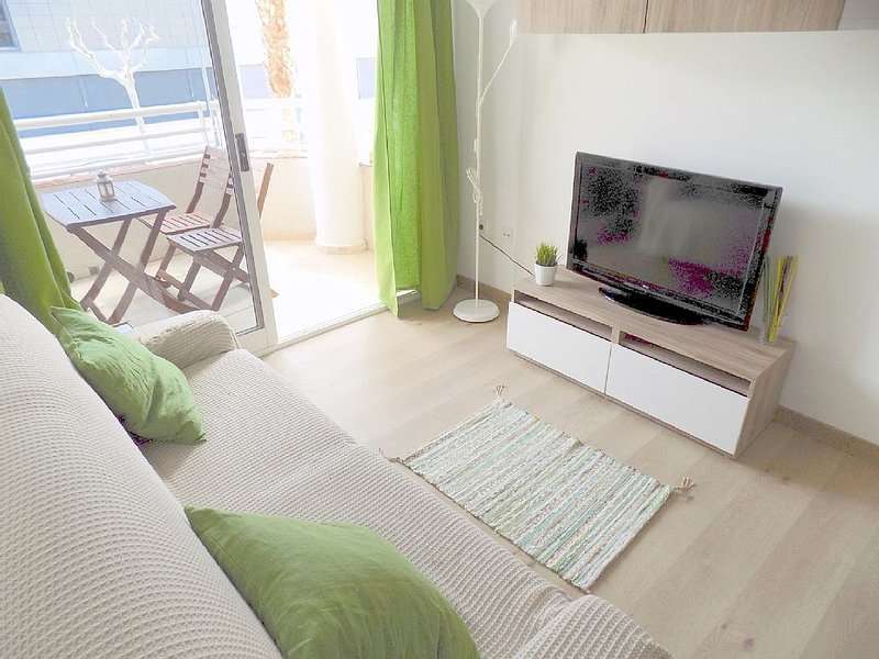 Albir 21 -  Newly refurbished 1 bedroom apartment just 50m from beach, vacation rental in L'Alfas del Pi