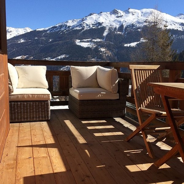 Ski Apartment Next to The Piste With Views Over Village And Mountains, vacation rental in Grimentz