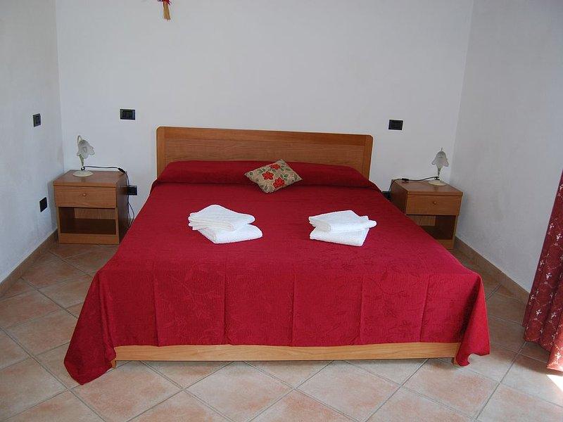 Agriturismo in Pomarance-Volterra con ristorante e piscina, holiday rental in Montegemoli