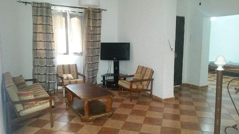 Villa avec jardin, trés clame , Wifi gratuit, holiday rental in Boumerdes