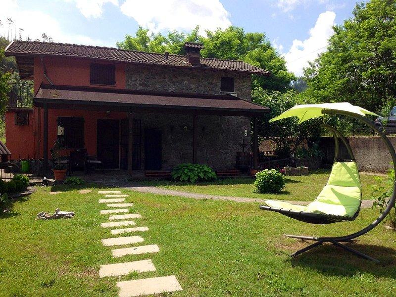 ANTICO CASALE CON PARCO A POCHI KM DALLE CINQUE TERRE, vakantiewoning in Rocchetta di Vara