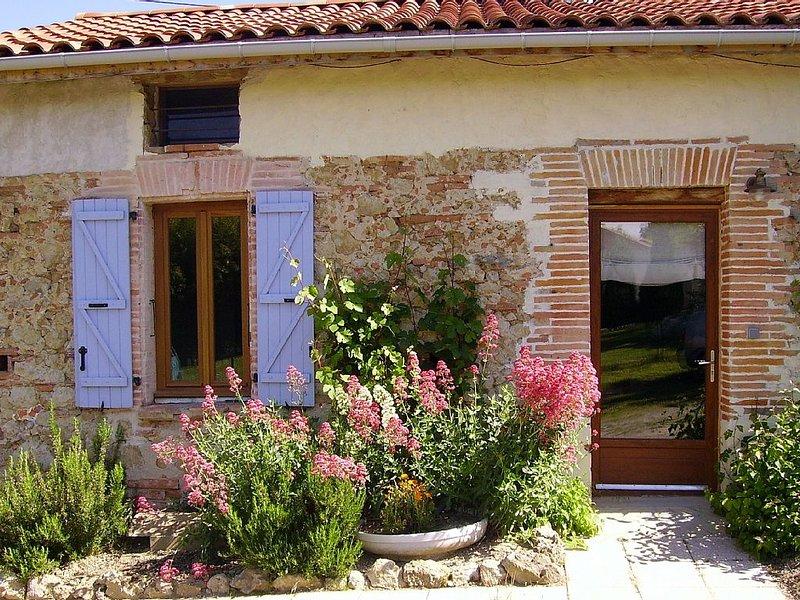 Marliac: Joli Gite dans ancienne ferme, location de vacances à Artigat