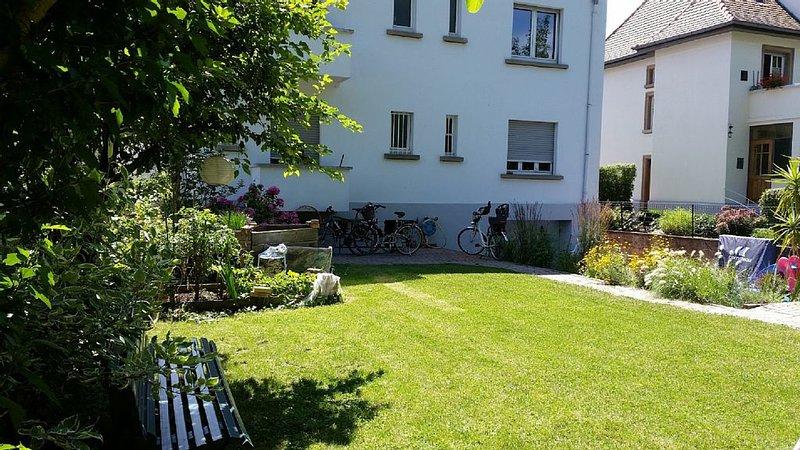 Strasbourg 3/4 Pièces dans un cadre de verdure à 5 minutes du centre ville, vacation rental in Lingolsheim