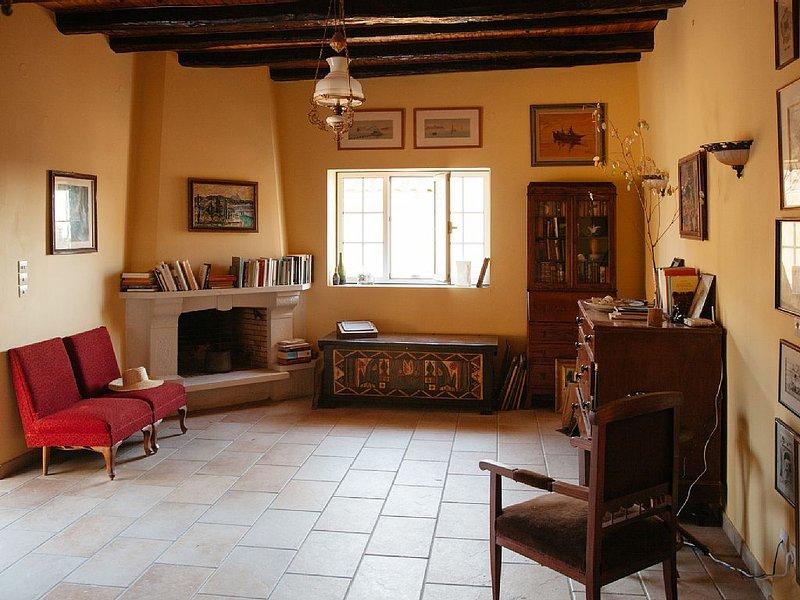 Traditional House in Kouramades Village, near Pelekas, holiday rental in Kalafationes