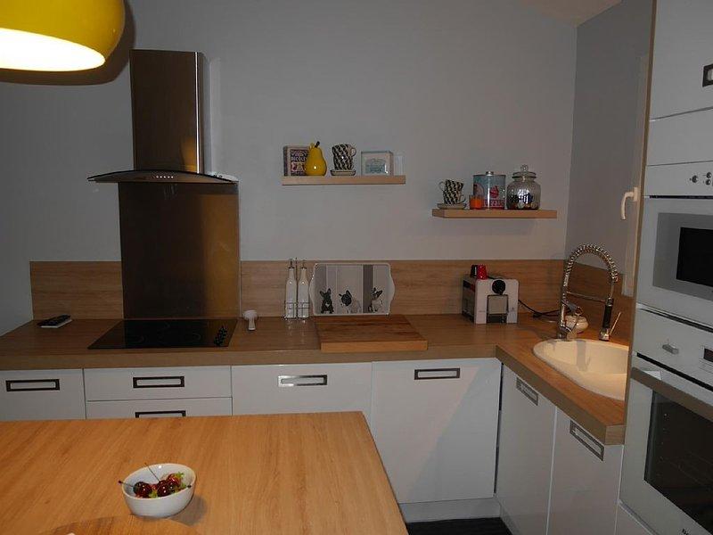 Petite maison dans le calme d'une pinède, holiday rental in Ramatuelle