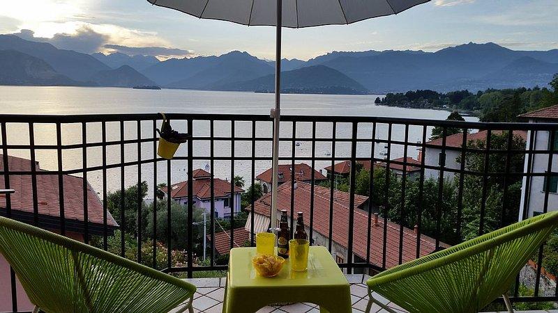 Casa Sofia, Reno di Leggiuno, Nuovo Appartamento con splendida vista sul Lago, holiday rental in Caravate